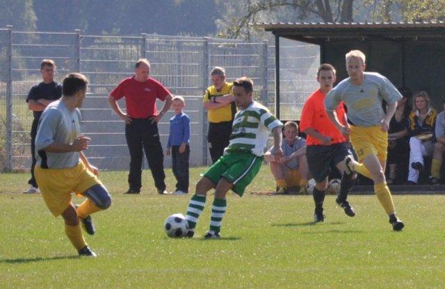 Robert Kuligwoski (background) while a game near Rostock.